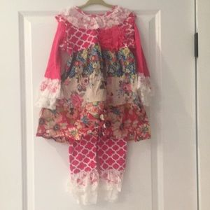 New lacy outfit in floral and trefoils